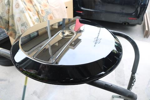 車の背面タイヤカバーのヘコミ修理もお任せください!