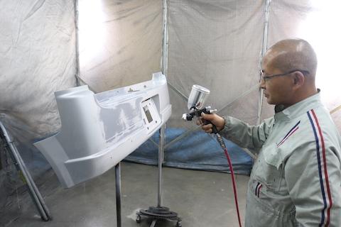 ヘコミ修理の鈑金・塗装、ダウンサスでカスタマイズの同時施工をお任せ!