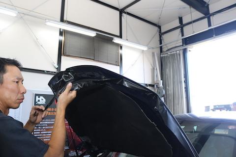 塗装の剥がれや痛み、カーラッピングで補修なら当日施工!