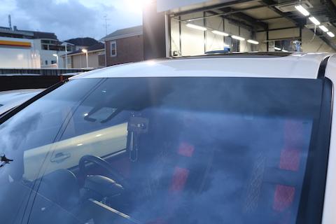青色のフロントガラスでも車検対応!そして断熱効果もある最強ガラスのコートテクト