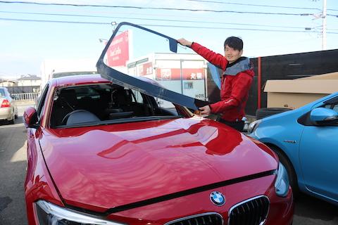 輸入車のフロントガラス交換、OEMと断熱社外品ガラスを純正の約半額でご用意します!