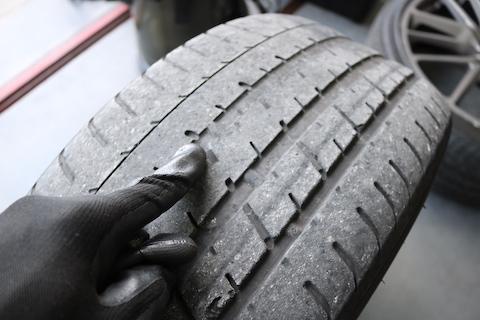 21インチのマセラティ認証MGT ピレリタイヤの用意から取付までお任せください!