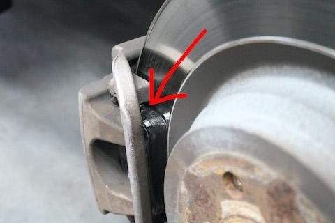 輸入車の車検整備、タイヤ・オイル・バッテリー交換もお任せください。