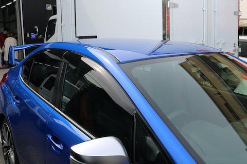 3台のWRX STI、ルーフとスポイラーラッピング、エンブレム交換でご来店!