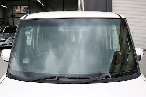 フロントガラス交換するなら、人気のコートテクトでドレスアップをオススメします!