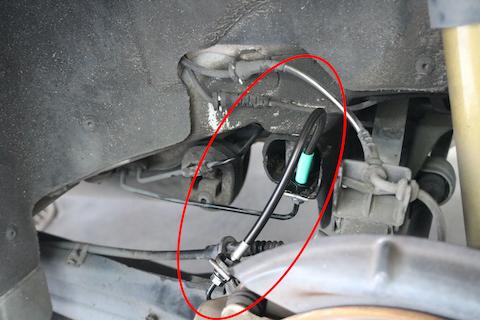 ブレーキホース交換で、ブレーキの遊びを無くして正確なコントロール!