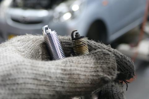 仕事で活躍するお車、安全・安心の為の車検整備