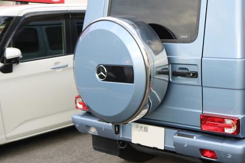 Gクラスの背面タイヤカバーも鈑金・塗装で再生修理!