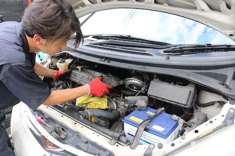 エンジンのプラグも故障の予防で定期点検が大事です!