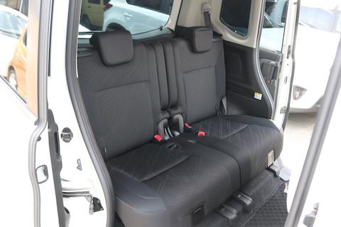 シートカバーで車内を清潔にして、イメージチェンジで楽しむ!
