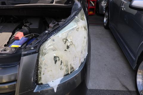 ヘッドライトを綺麗に磨けば、車は若返ります!愛着湧きます!