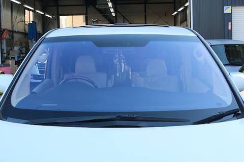 ヴェルファイアのフロントガラスを青色に変える方法!