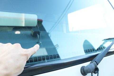 トラックのフロントガラス交換も半額以下でお得に交換!