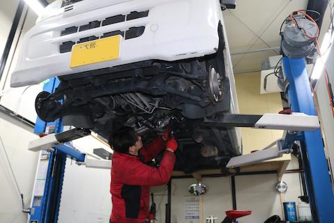オイル漏れ、ブーツ破れ、定期交換、車検時にしっかり整備!