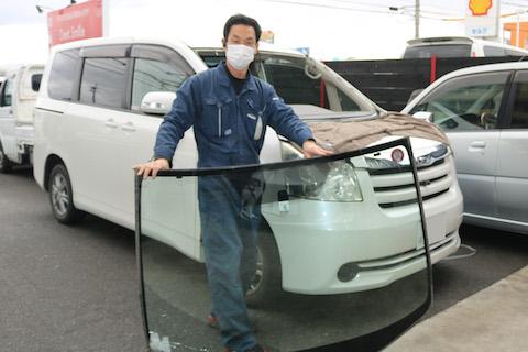 輸入のフロントガラス、安全と品質に実績があります!