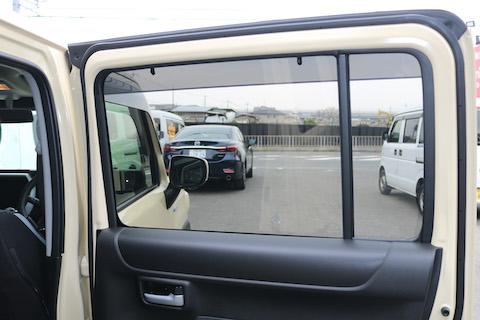 車のカーフィルム、黒色濃さのオススメは?
