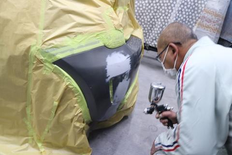 車の板金塗装とは?部品を再生して費用をおさえる技術!