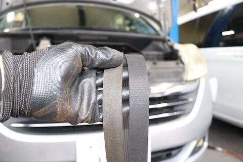 国家資格を持った整備士が法律に基づいた車検の点検・整備