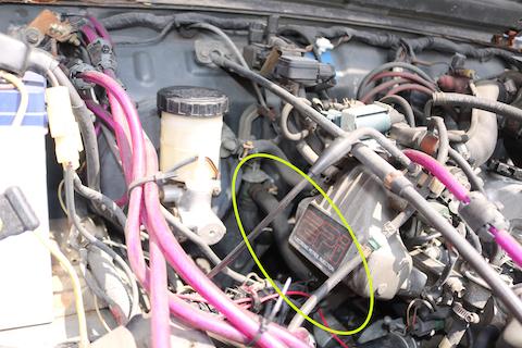 駐車している場所に謎の液体?車が故障している危険信号!