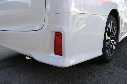 車のバンパーの擦り傷修理、再生修理でお安く!