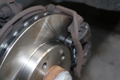 ブレーキのキーキー音は、パッド交換の警告