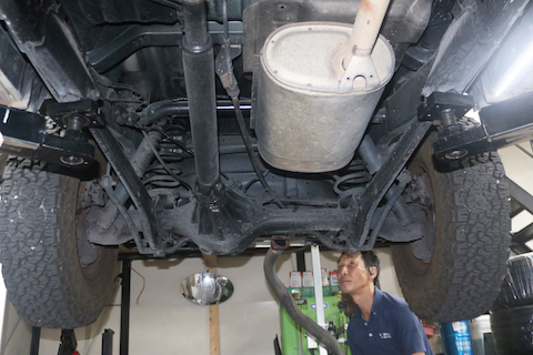マフラーの排気ガス漏れは車検不合格。一酸化酸素中毒の危険!