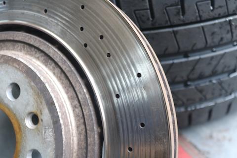 マセラティ社外品のブレーキパッド・ローター、そしてタイヤ交換。