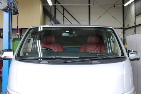 車検に通る青色の色付きフロントガラス!
