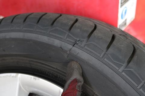 タイヤを1本だけ交換は良いか?メーカーは?方法を解説!