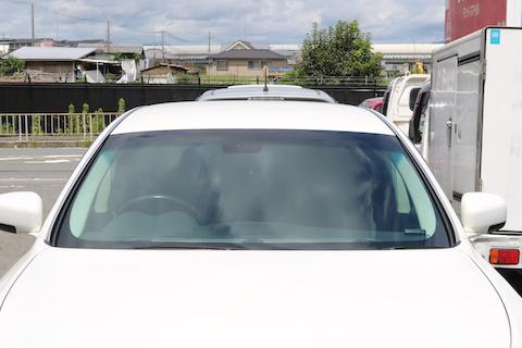 1/3の価格で車検適合する社外品のフロントガラス