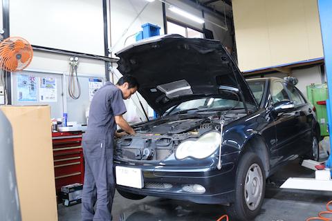 エンジンのオイル漏れ、オイルで壊れるリスクが増えます!