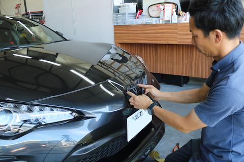 車の色んなメッキ部品をラッピングで色変え可能!