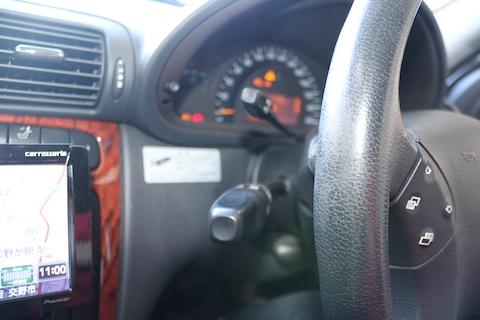 ベンツのウインカーレバー異常の修理と警告灯リセット